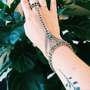 Jewelry - Hand chain bracelet